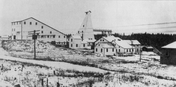 The Kirkland Lake Gold Mine at the top of Beaver Hill photographed in 1926. Site of Heath & Sherwood head office today. (Museum of Northern History)