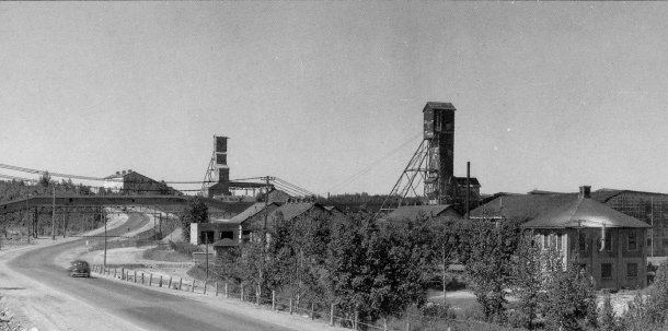 Straddling both sides of the main thoroughfare, the Teck Hughes Mine featured a conveyor belt crossing right over Government Road. (Eddie Duke)