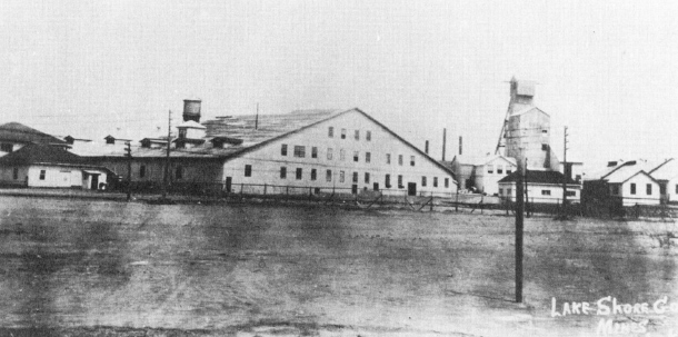 In 1929, the Lake Shore Mine was the largest of the seven Kirkland Lake properties. It employed two thousand people. (Museum of Northern History)